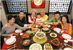 中国礼节: 7 ข้อที่ควรรู้เวลาไปกินโต๊ะจีน (เรื่องกินๆ ที่อย่ามองข้าม)